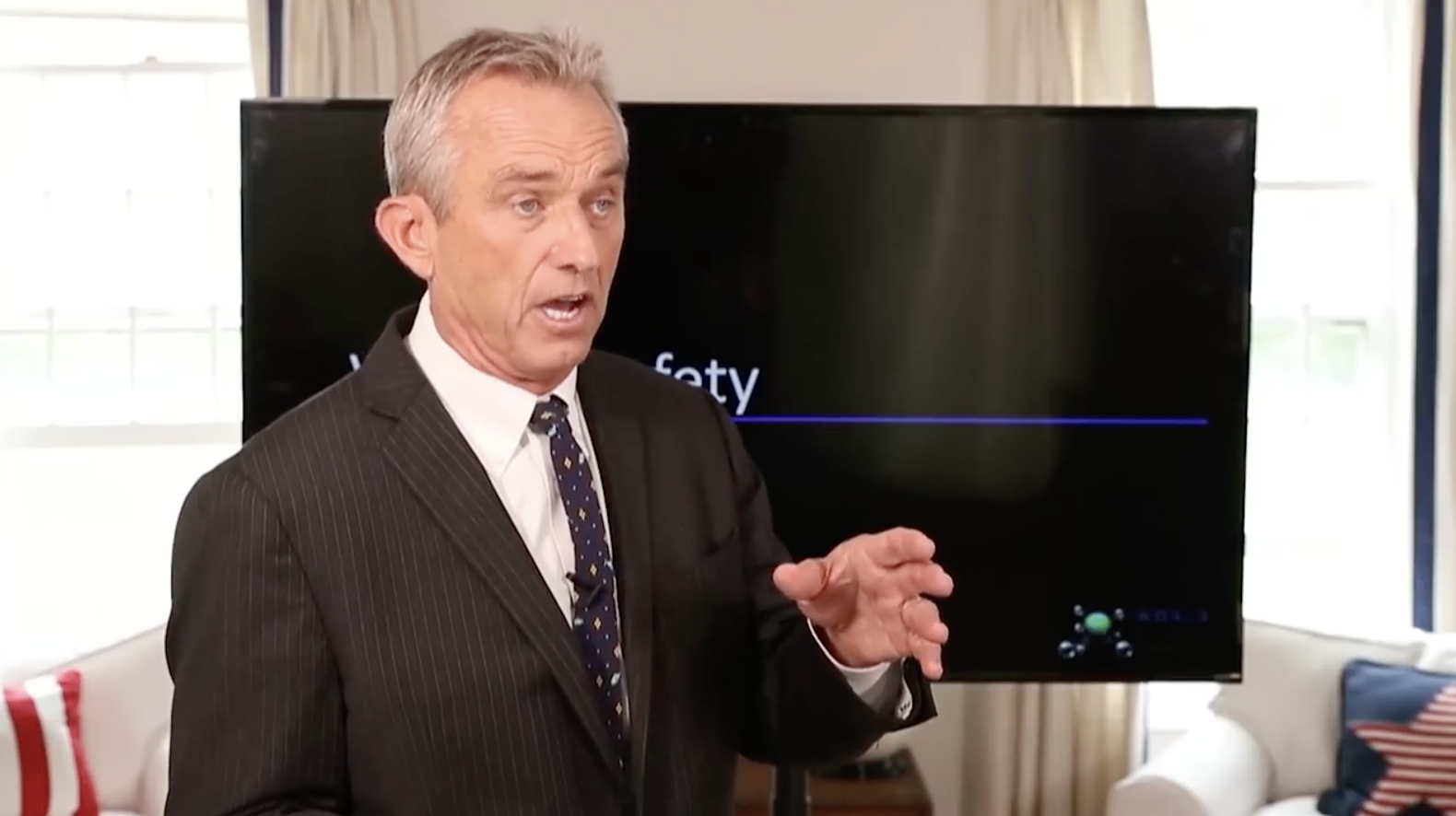 Image: Robert F. Kennedy Jr. warns that Fauci, Gates are committing mass genocide against humanity