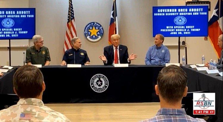 Trump Roasts Joe Biden During His Visit to US-Mexico Border (VIDEO)