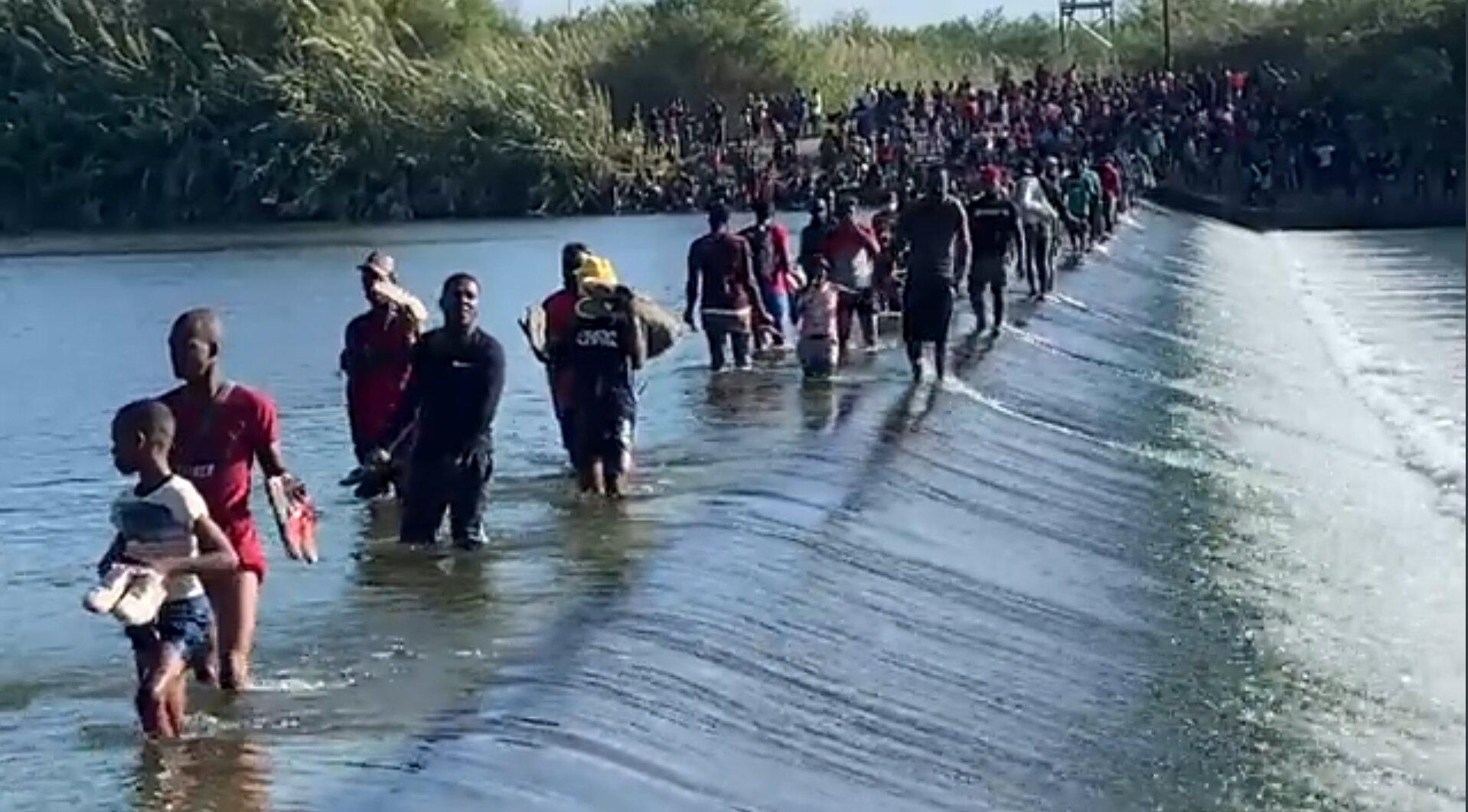 UPDATE: Thousands of Migrants Still Crossing Rio Grande into Del Rio, Texas; Camp Now Holds 12,000; FAA Grants Fox News Drone Permit (Videos)